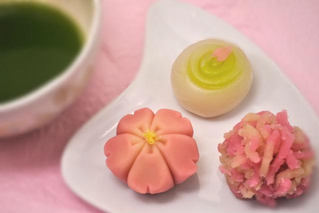 【京都・和菓子作り体験】伝統の京菓子をお抹茶とともに ...