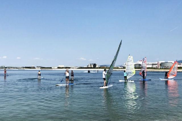 bda7a34d924 関西 ウィンドサーフィンが体験できるスクール一覧|比較。予約 - アソビュー