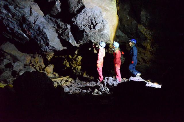 ケイビング・洞窟探検